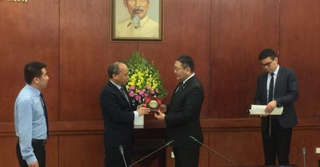 Mr. D. Davaasuren, State Secretary of MFA visited Vietnam